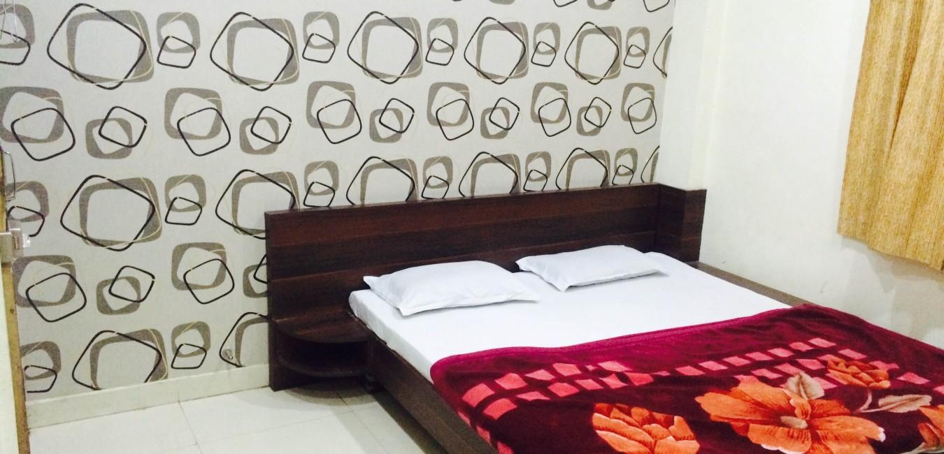 Hotel Vrandavan Palace - Hotel in ujjain